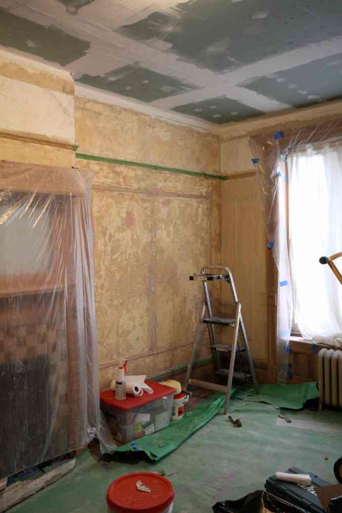 17 Bedroom Stripped Wall
