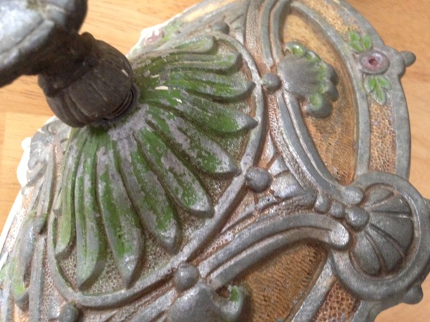 victorian light fixture detail2
