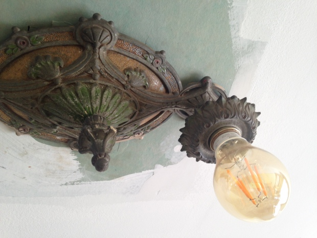 Berdoom light fixture